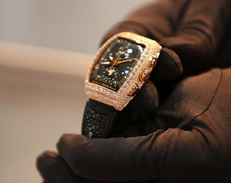 Diamond watch Fashion-Exhibition